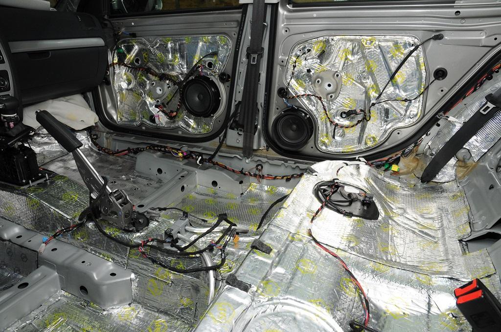 Качественная шумоизоляция автомобиля своими руками 8